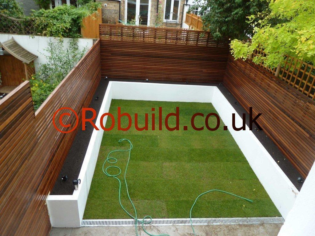 Garden in London, fence, grass